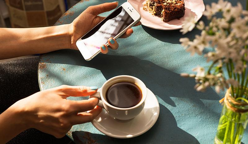Nếu bạn muốn bắt đầu một ngày mới thật năng động, hãy tự thưởng cho mình một tách cà phê.